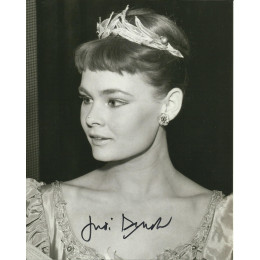 JUDI DENCH SIGNED YOUNG 10X8 PHOTO