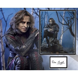 ROBERT CARLYLE SIGNED ONCE UPON A TIME PHOTO MOUNT UACC REG 242