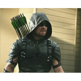 STEPHEN AMELL SIGNED ARROW 8X10 PHOTO (2)