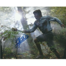 STEPHEN AMELL SIGNED ARROW 8X10 PHOTO (4)