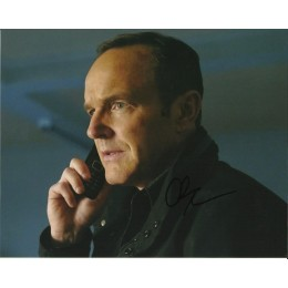 CLARK GREGG SIGNED AGENTS OF SHIELD 8X10 PHOTO (1)