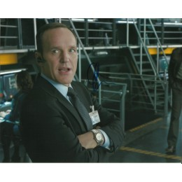 CLARK GREGG SIGNED AGENTS OF SHIELD 8X10 PHOTO (2)