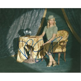 EMMA ROBERTS SIGNED AMERICAN HORROR STORY 10X8 PHOTO (1)