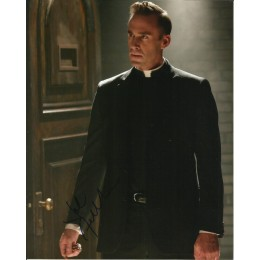 JOSEPH FIENNES SIGNED AMERICAN HORROR STORY 8X10 PHOTO