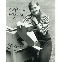 SOPHIE ALDRED AND JOHN LEESON SIGNED DOCTOR WHO 10X8 PHOTO