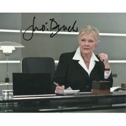 JUDI DENCH SIGNED BOND 10X8 PHOTO (2)