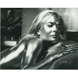 SHIRLEY EATON SIGNED SEXY GOLDFINGER 10X8 PHOTO (2)