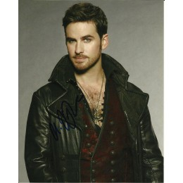 COLIN O'DONOGHUE SIGNED ONCE UPON A TIME 8X10 PHOTO
