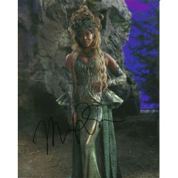MERRIN DUNGEY SIGNED ONCE UPON A TIME 10X8 PHOTO (2)