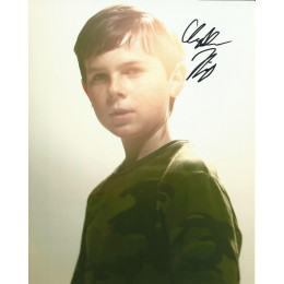 CHANDLER RIGGS SIGNED THE WALKING DEAD 8X10 PHOTO (2)