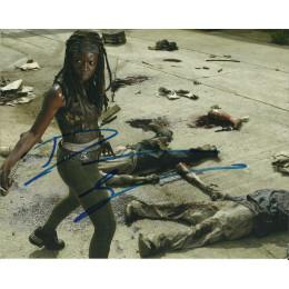 DANAI GURIRA SIGNED THE WALKING DEAD 10X8 PHOTO (4)
