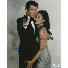 MICHELLE YEOH SIGNED TOMORROW NEVER DIES 10X8 PHOTO (1), ALSO ACOA CERTIFIED