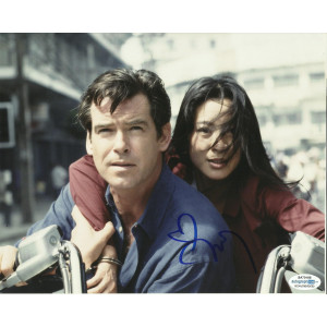MICHELLE YEOH SIGNED TOMORROW NEVER DIES 10X8 PHOTO (3), ALSO ACOA CERTIFIED