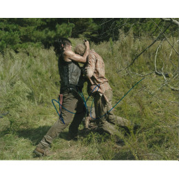 NORMAN REEDUS SIGNED THE WALKING DEAD 8X10 PHOTO (1)