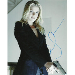 ALI LARTER SIGNED SEXY HEROES 10X8 PHOTO (5)
