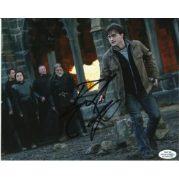 DANIEL RADCLIFFE SIGNED HARRY POTTER 8X10 PHOTO (2) ALSO ACOA CERTIFIED