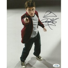 DANIEL RADCLIFFE SIGNED HARRY POTTER 8X10 PHOTO (5) ALSO ACOA CERTIFIED