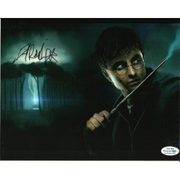 DANIEL RADCLIFFE SIGNED HARRY POTTER 8X10 PHOTO (8) ALSO ACOA CERTIFIED