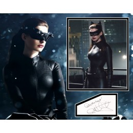 ANNE HATHAWAY SIGNED THE DARK KNIGHT RISES PHOTO MOUNT  (1)