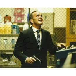 CLARK GREGG SIGNED AGENTS OF SHIELD 8X10 PHOTO (6)