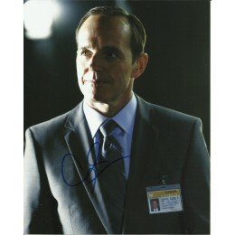 CLARK GREGG SIGNED AGENTS OF SHIELD 8X10 PHOTO (8)