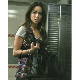 CHLOE BENNET SIGNED AGENTS OF SHIELD 10X8 PHOTO (2)