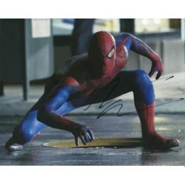 ANDREW GARFIELD SIGNED SPIDERMAN 8X10 PHOTO (2)